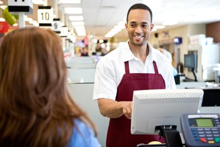 Tuyển nhân viên bán hàng cho siêu thị mini cần đặt ra tiêu chí gì