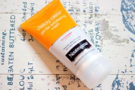 Visibly Clear Gentle Exfoliating Wash – Neutrogena